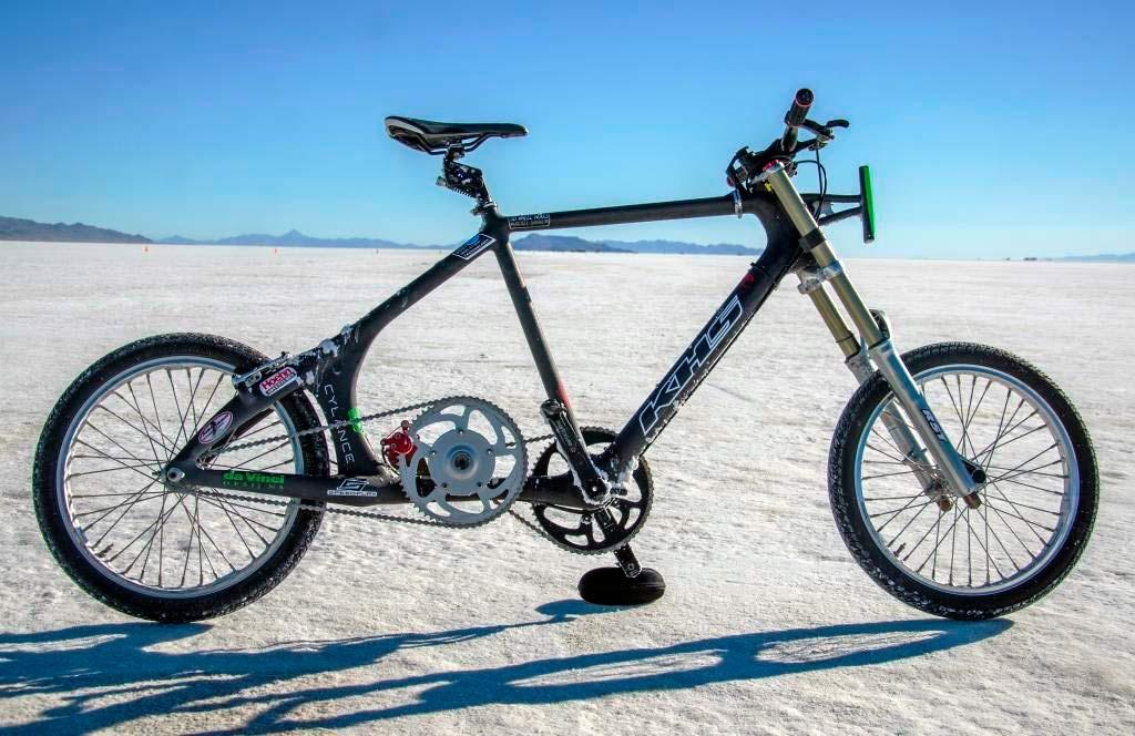 Norte-americana quebra recorde de velocidade em bicicleta
