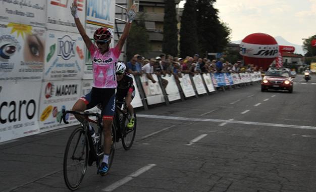Flávia Oliveira é vice no Giro da Toscana