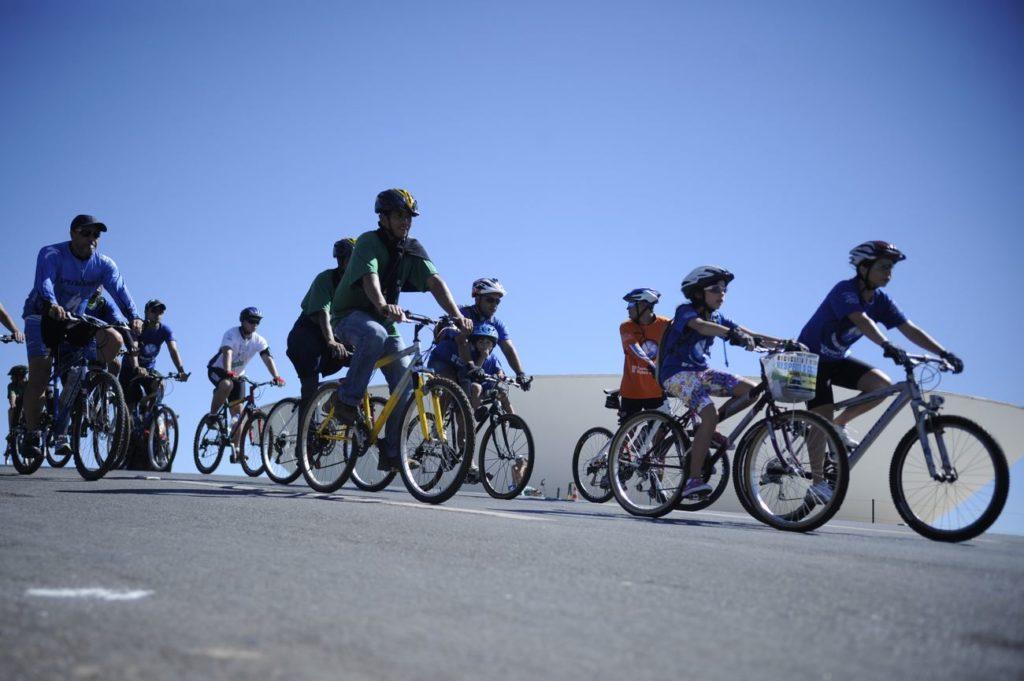 Maioria dos brasileiros querem mais bicicletas e ônibus nas ruas