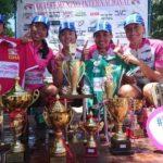 Ladies Power exibem os troféus conquistados no Uruguai (Lee Kaneshiro Divulgação)