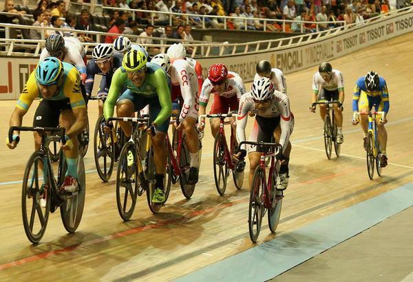 Gideoni Monteiro fica entre os top 10 na 3ª etapa da Copa do Mundo de Ciclismo de Pista