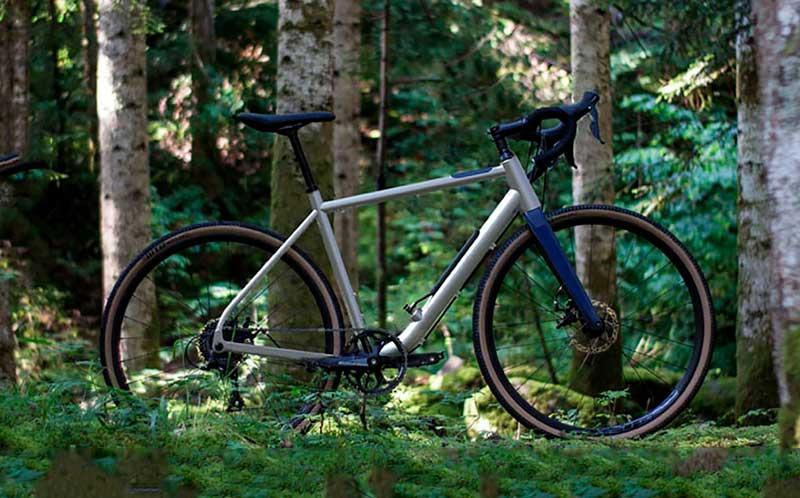 Bicicleta Gravel Choka que traz câmara para encher pneu bicicleta